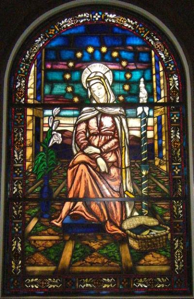 Mater - stained glass window in Duchesne Academy of the Sacred Heart (Houston, Texas), photo by Juliet Mousseau rscj (USC)